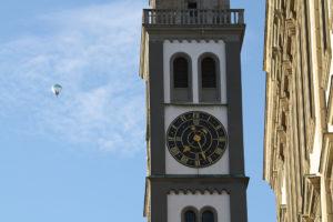 Der Perlachturm mit dem Augsburg Ballon